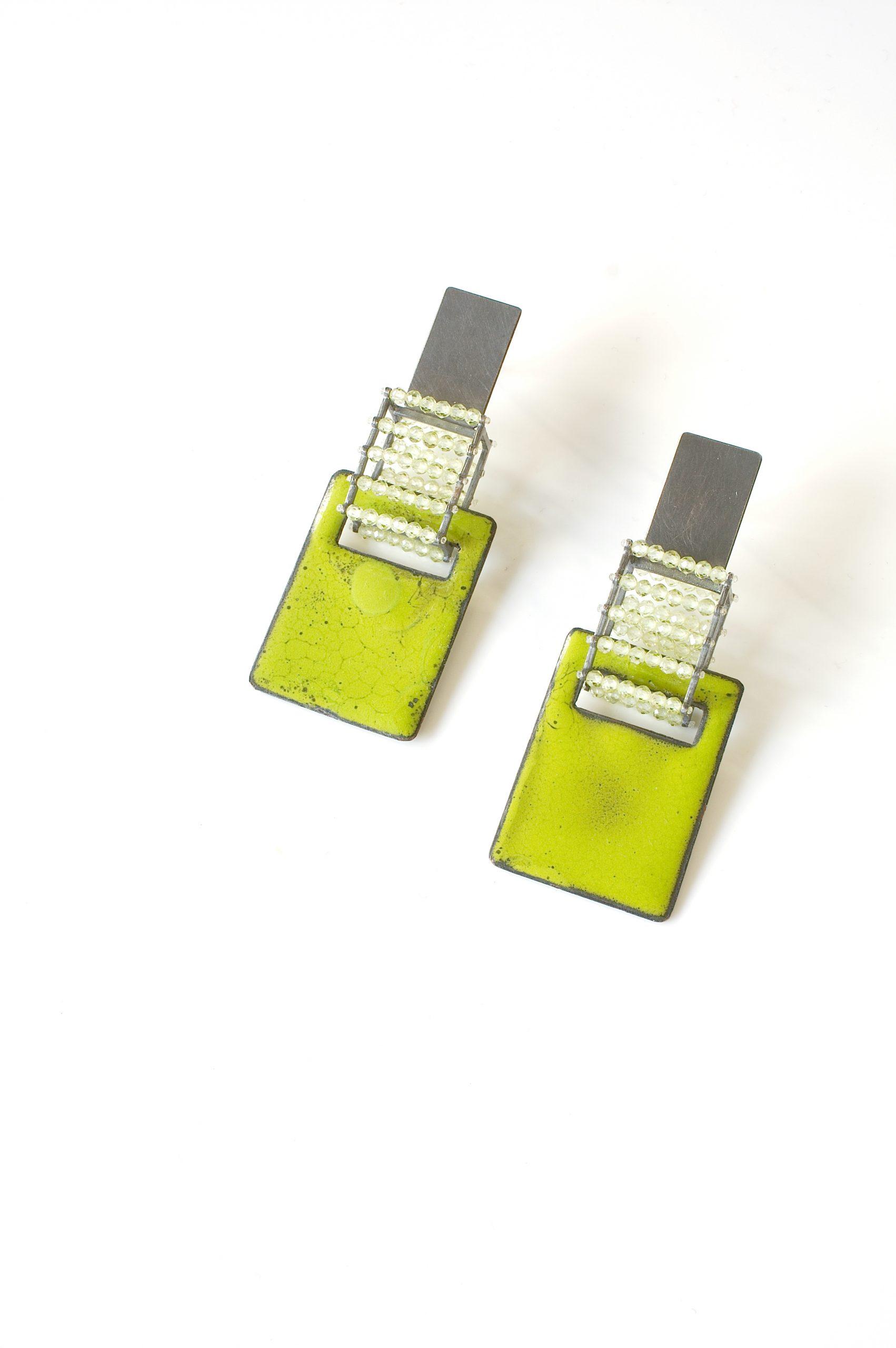 Emailohr5grün1